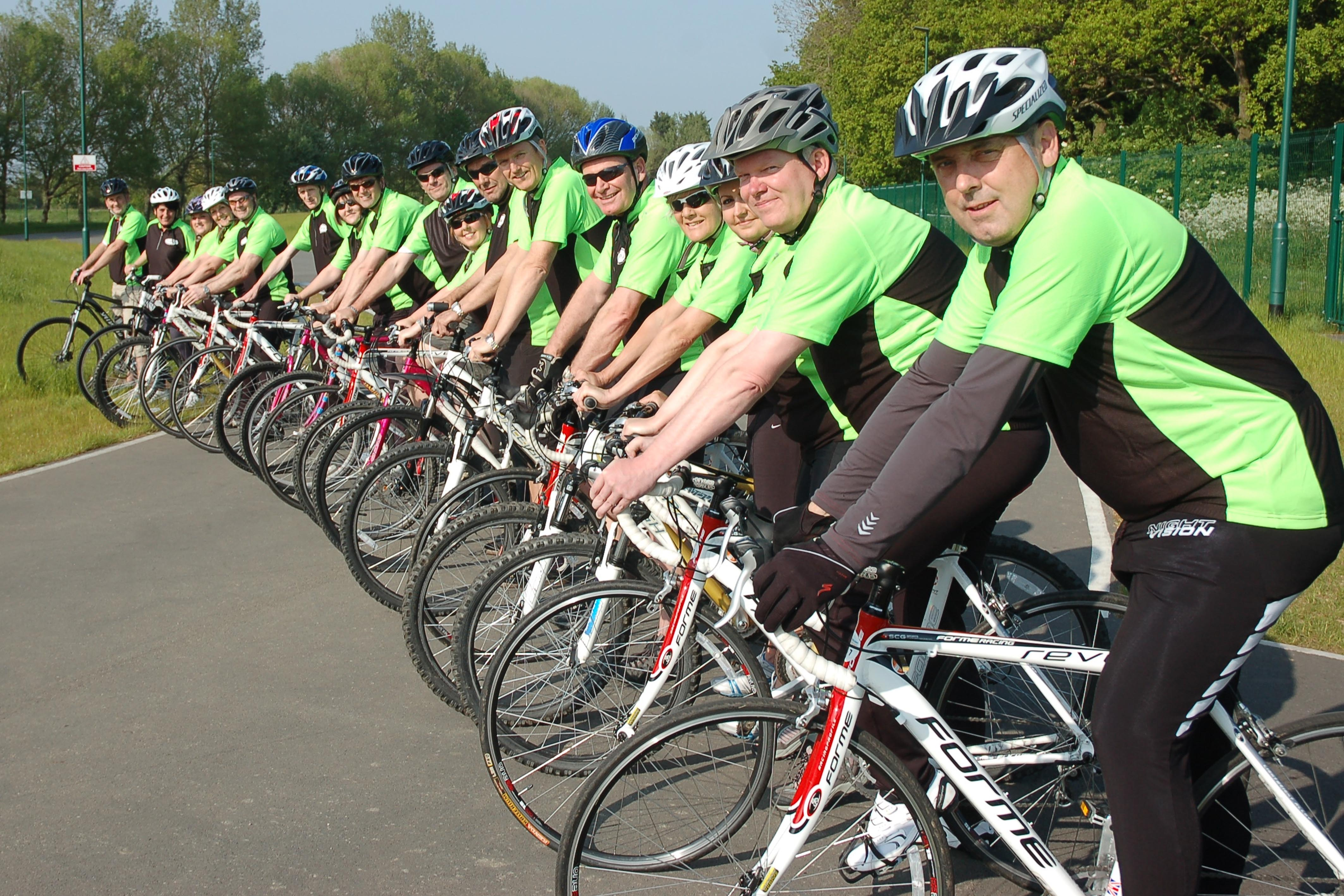 Kidney-fundraiser-cyclists1