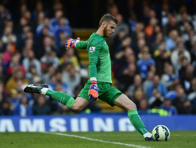 wpid-goalkeeper-david-de-gea-pictured-on-april-18-2015-refused-to-sign-a-new-deal-with-united-due-to-his-desire-to-return-back-to-spain-with-r.jpg